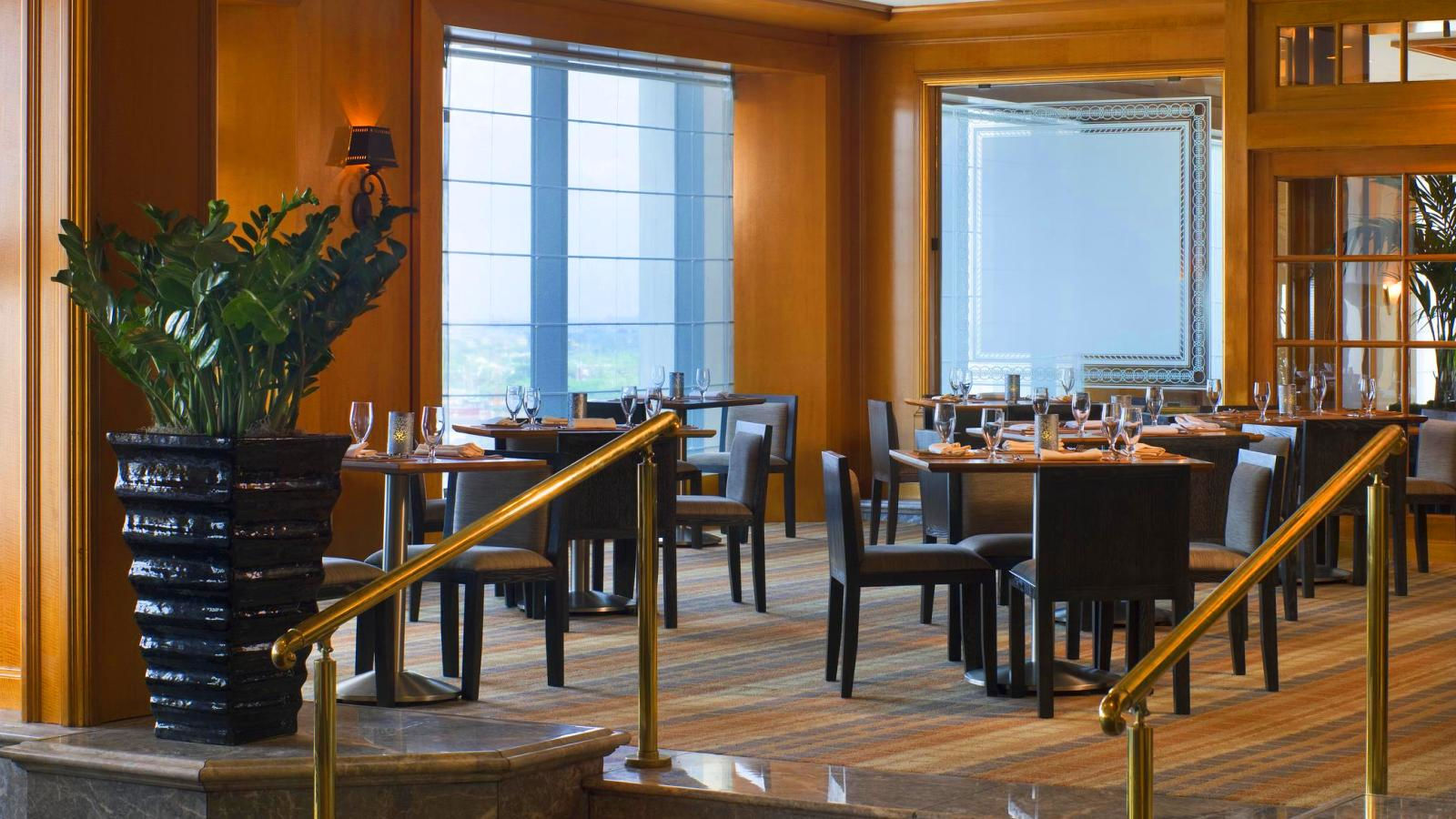 new orleans restaurant | river 127 resturant | the westin new